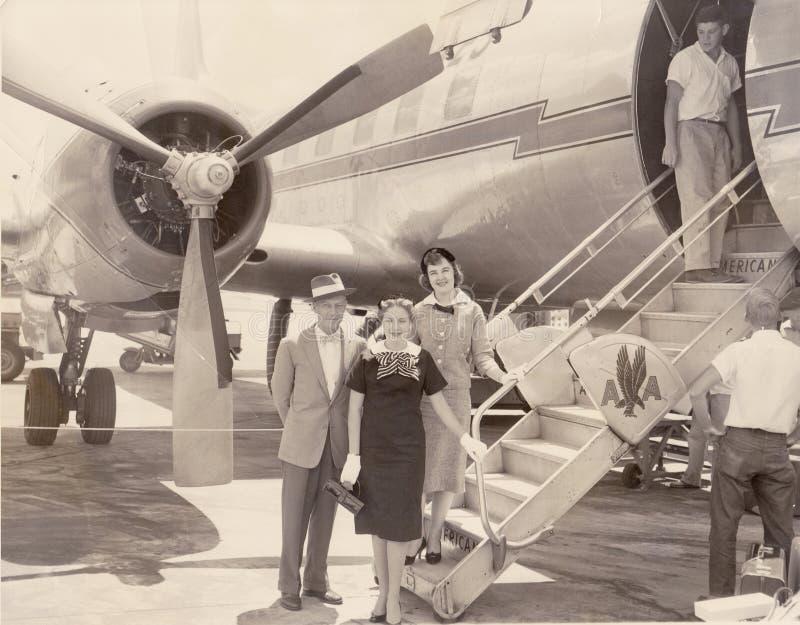 Aeroplano d'annata di American Airlines ad atterraggio immagine stock libera da diritti