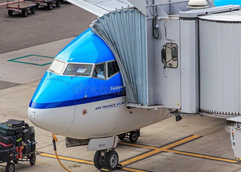 Aeroplano de Air France KLM en el aeropuerto de Zurich fotos de archivo