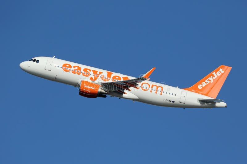 Aeroplano de Easyjet Airbus A320 fotografía de archivo