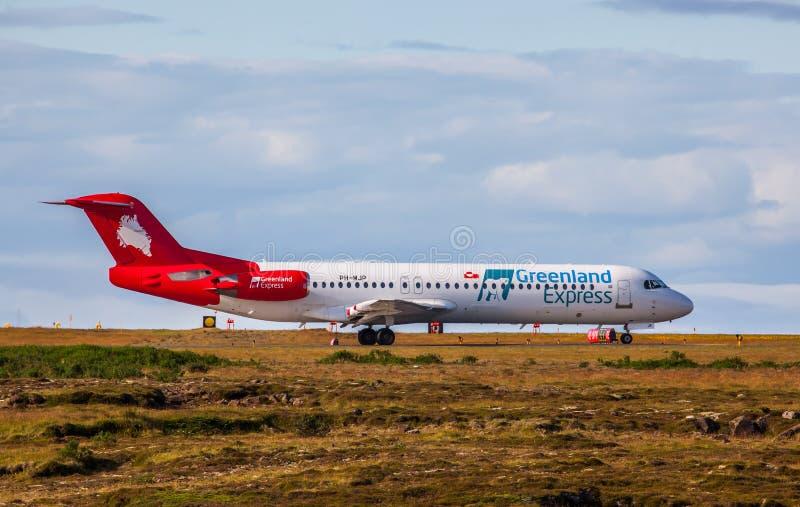 Aeroplano de Fokker 100 imágenes de archivo libres de regalías
