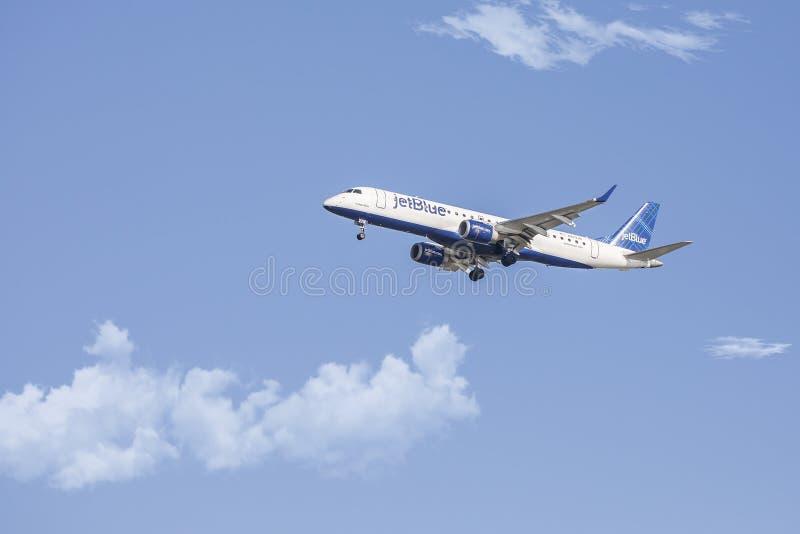 Aeroplano de JetBlue fotografía de archivo