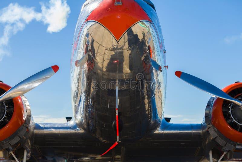 Aeroplano de la vendimia DC-3 imagen de archivo libre de regalías