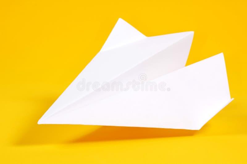 Aeroplano de papel imagen de archivo
