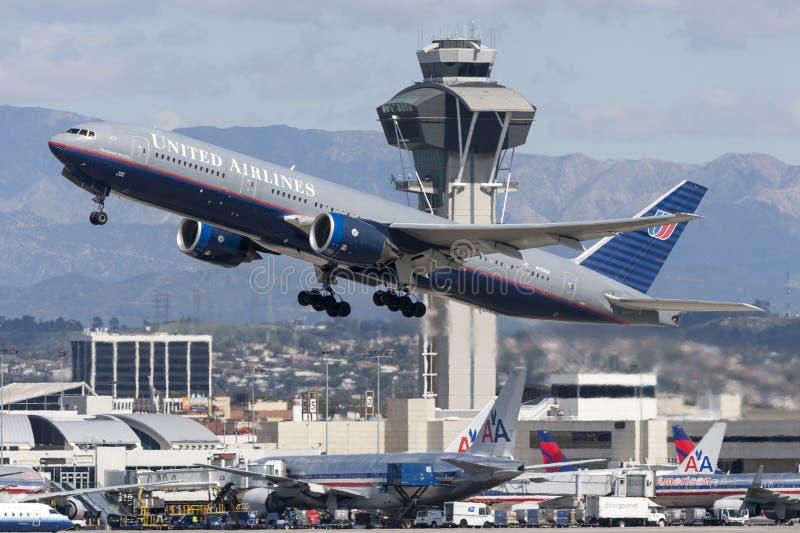 Aeroplano de United Airlines Boeing 777 fotografía de archivo