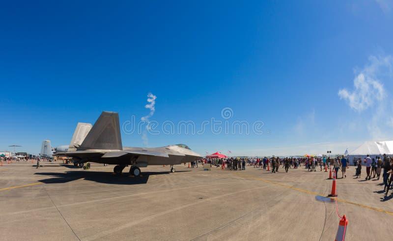 Aeroplano del jet del rapace F-22 immagini stock libere da diritti
