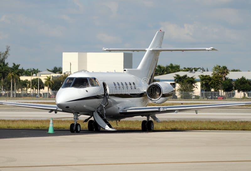 Aeroplano del jet di lettera fotografia stock libera da diritti