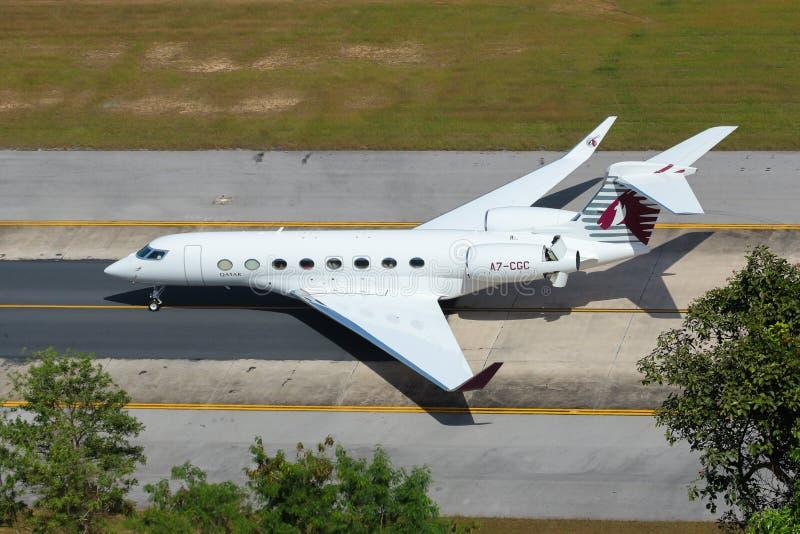 Aeroplano del jet privado aeroespacial del gulfstream ejecutivo G650ER de Qatar foto de archivo