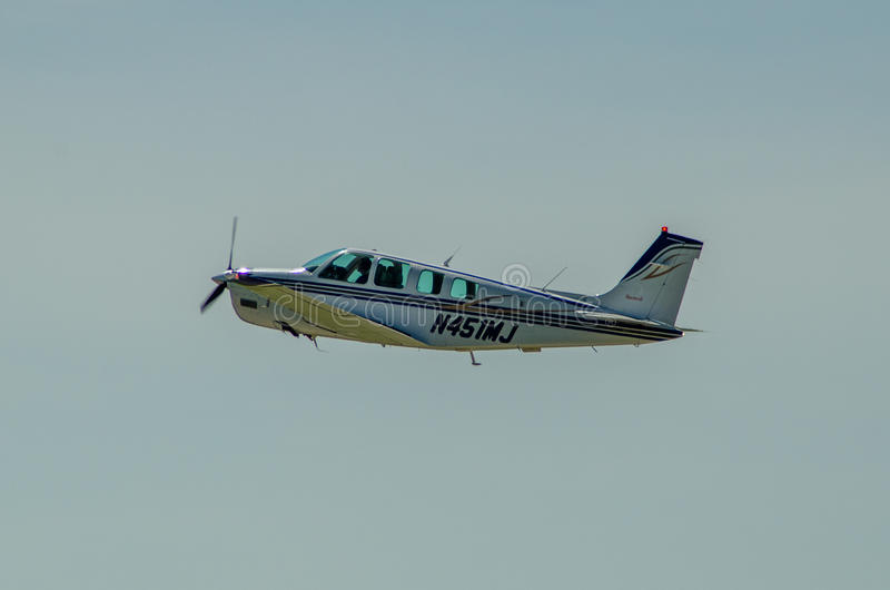Aeroplano del solo motor de Beechcraft imagen de archivo libre de regalías