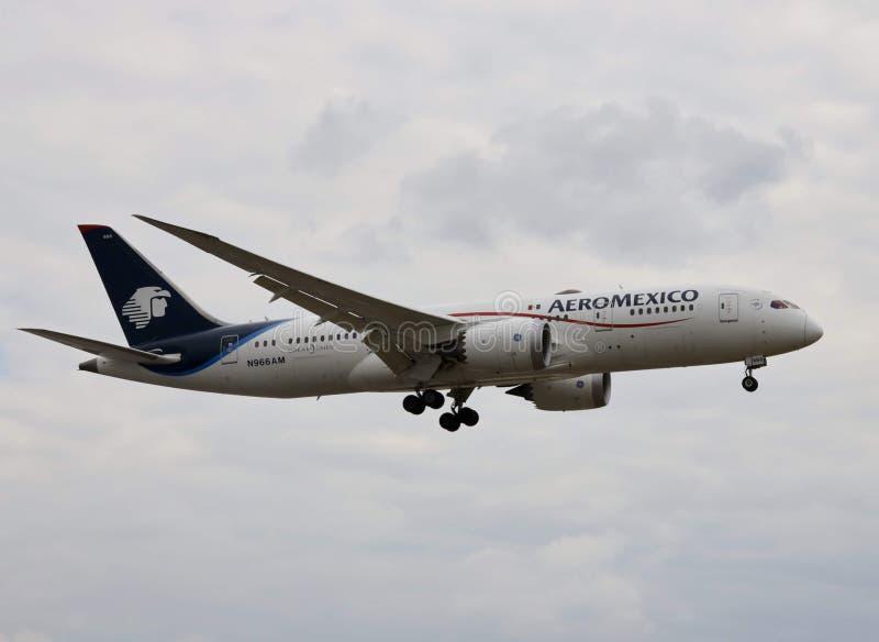 Aeroplano di Aeromexico, dreamliner di Boeing 787 immagine stock libera da diritti