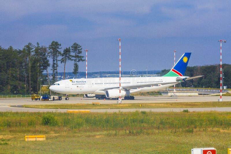 Aeroplano di Air Namibia fotografie stock libere da diritti