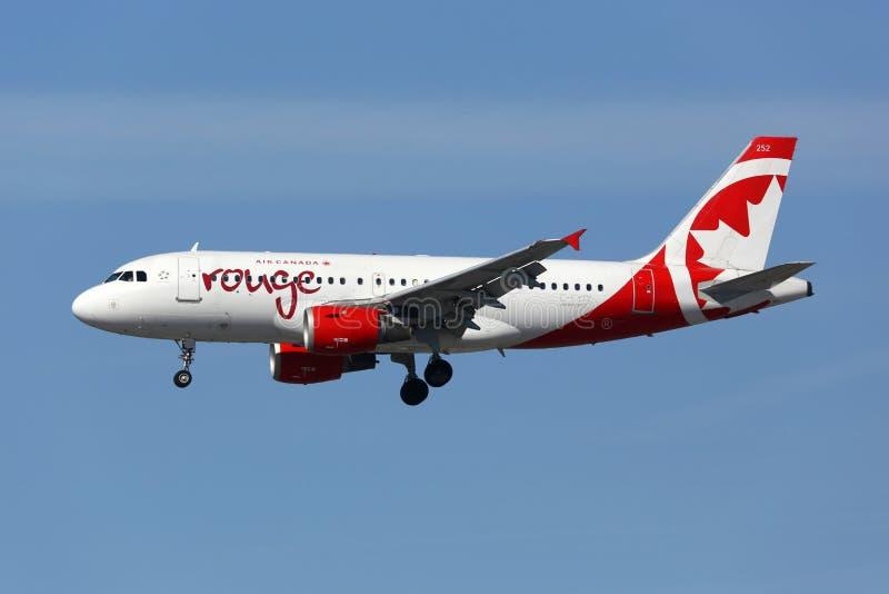 Aeroplano di Airbus A319 del rossetto di Air Canada fotografie stock libere da diritti