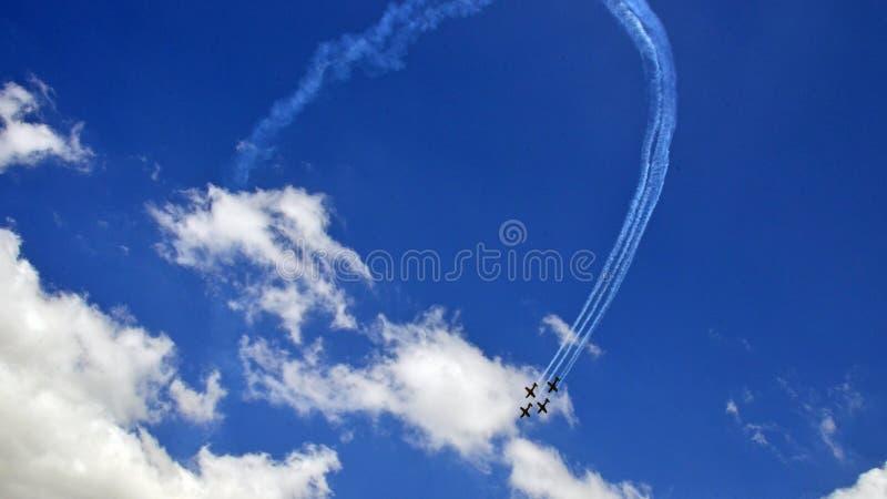 Aeroplano di formazione dell'esposizione di Airshow fotografia stock