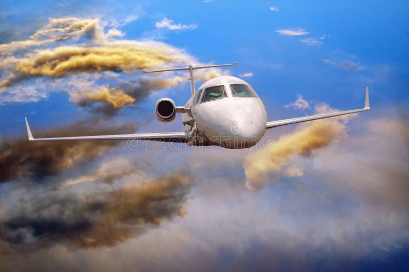 Aeroplano en aire foto de archivo