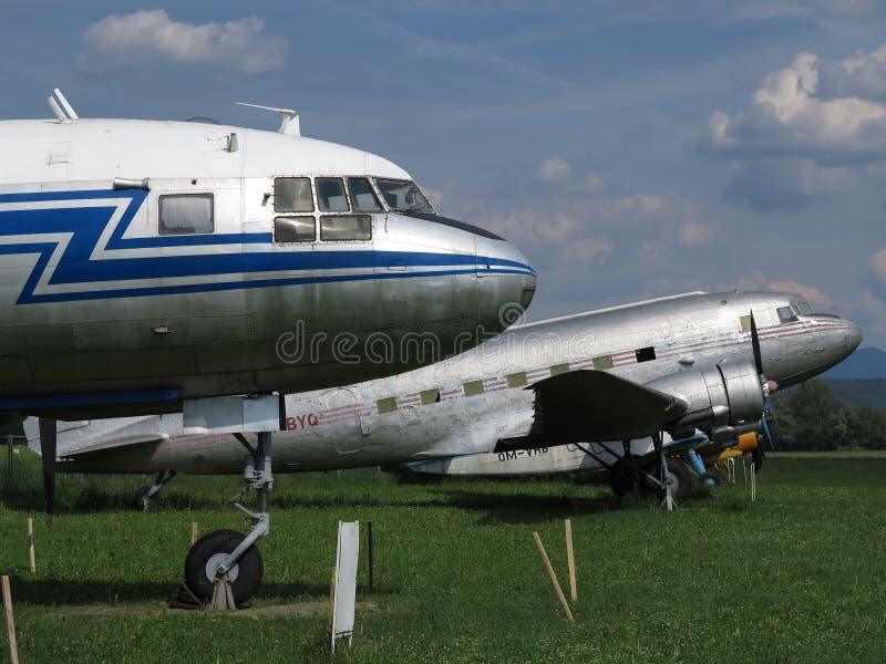 Aeroplano histórico del pasajero en la demostración del aeroplano fotos de archivo