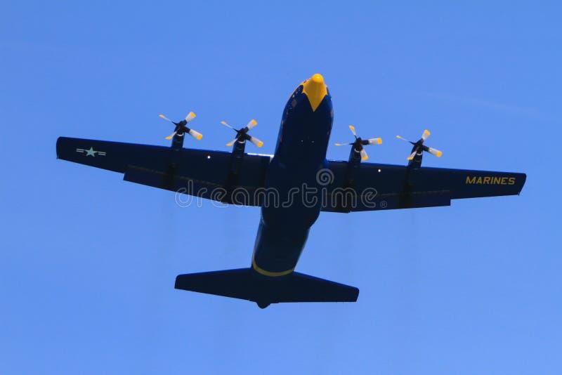 Aeroplano marina del cargo en la demostración de aire de Chicago imagenes de archivo