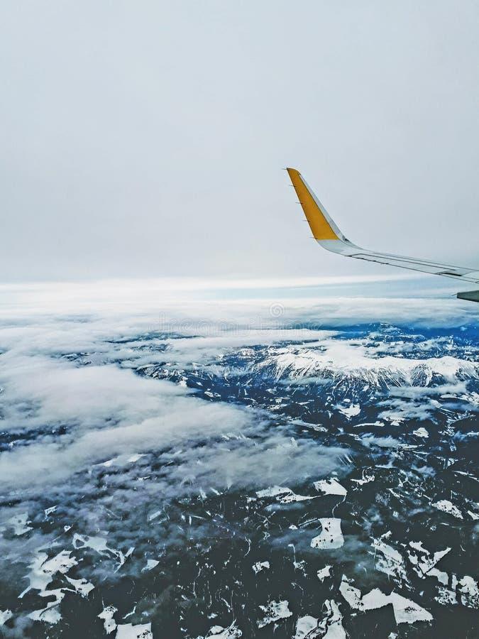 Aeroplano sopra l'Austria fotografia stock libera da diritti