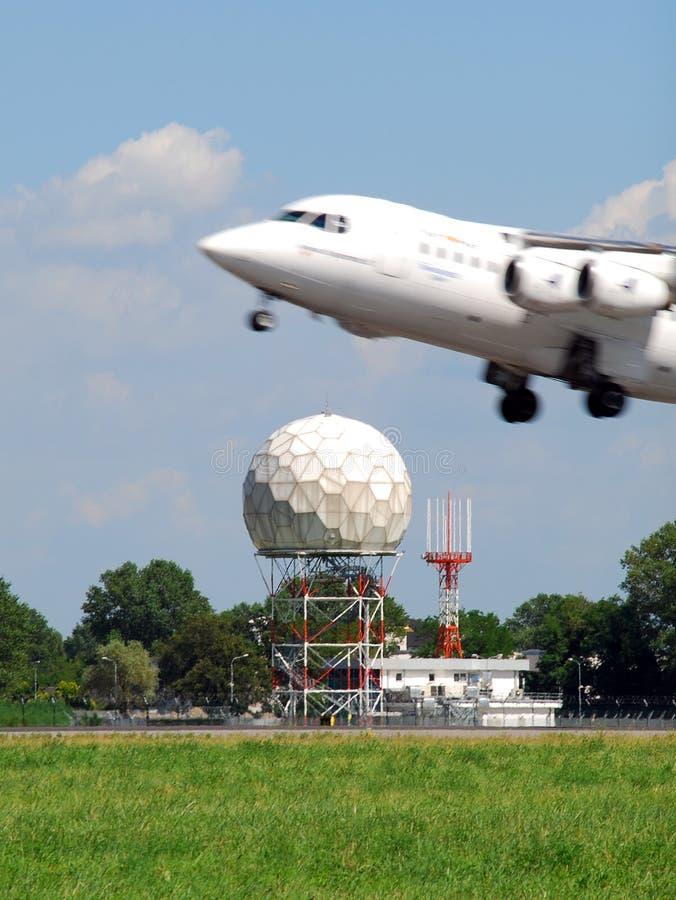 Aeroplano y radar imágenes de archivo libres de regalías