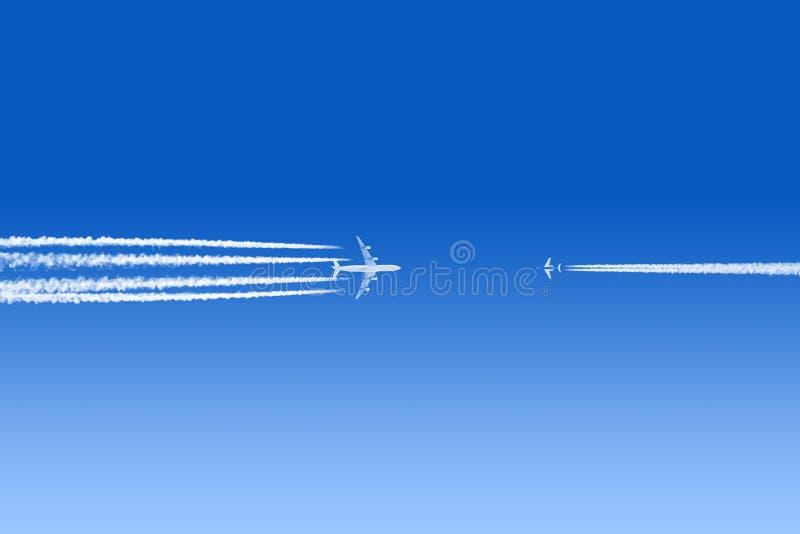 Aeroplanos alrededor a causar un crash fotografía de archivo libre de regalías