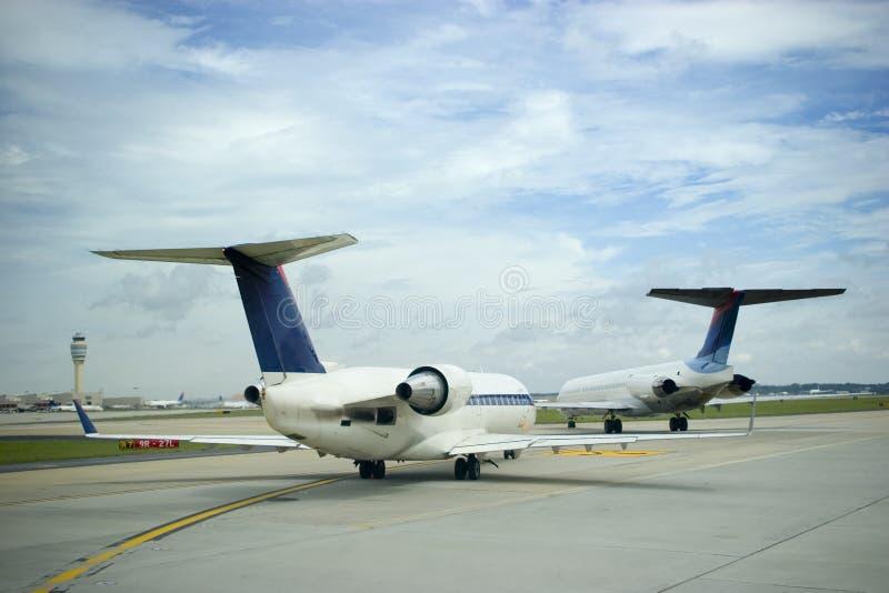 Aeroplanos y cielo imagen de archivo libre de regalías