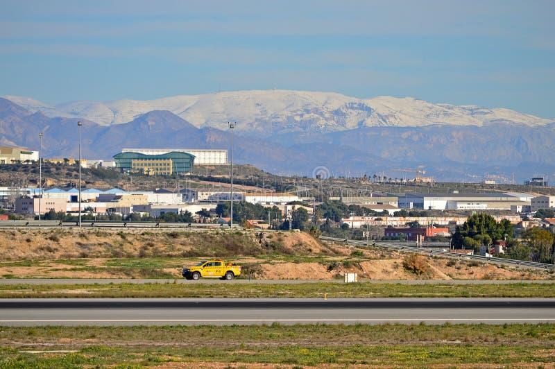 Aeroporto de Alicante sob a neve fotografia de stock