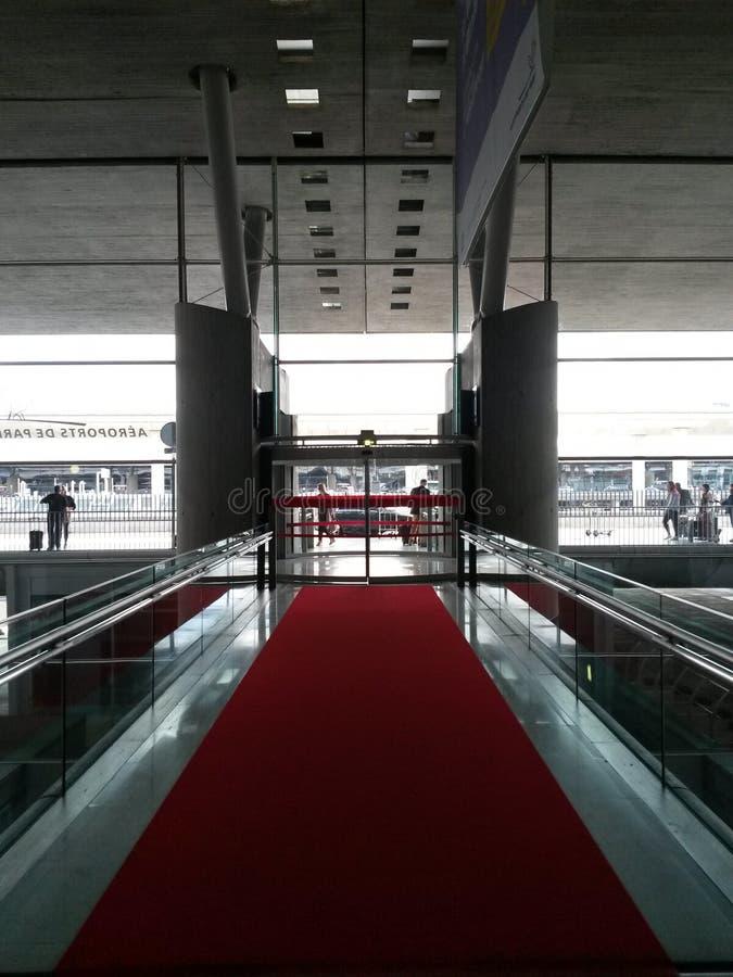 Aeroporto de Charles de Gaulle em Paris imagens de stock