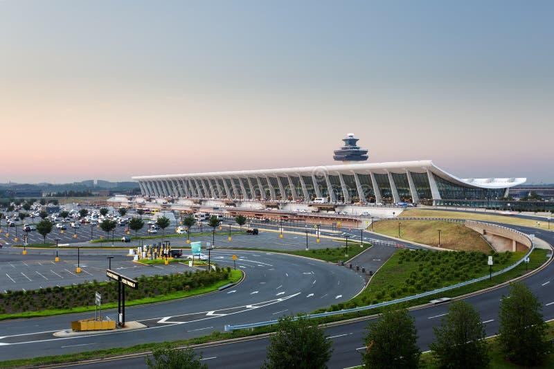 Aeroporto de Dulles no alvorecer perto do Washington DC foto de stock royalty free