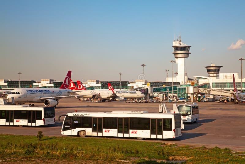 Aeroporto de Istanul imagem de stock