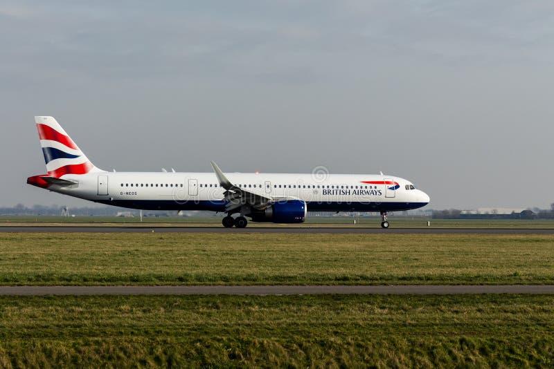 Aeroporto de Schiphol, Holanda norte/Países Baixos - 16 de fevereiro de 2019: British Airways Airbus A321neo G-NEOS fotografia de stock royalty free