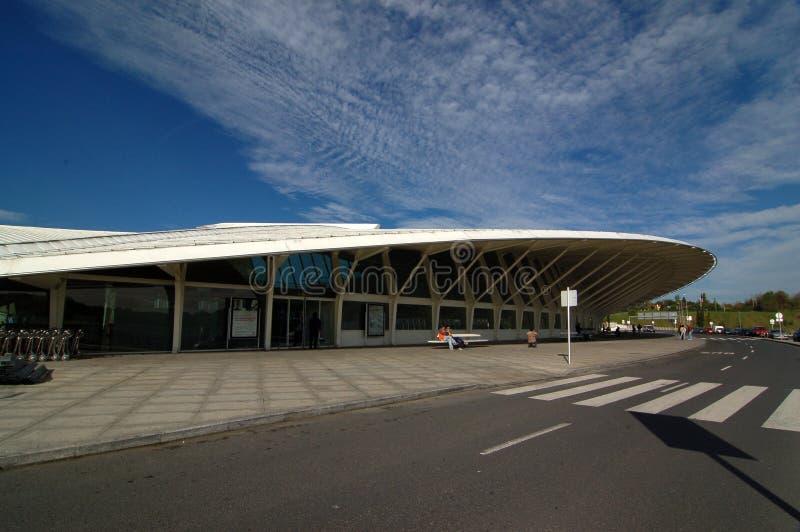 Aeroporto di Bilbao, Spagna: 14 aprile 2006: L'aeroporto moderno di Bilbao immagine stock
