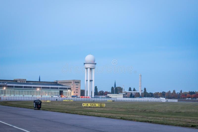 Aeroporto di Tempelhof dell'aeroporto di Tempelhof a Berlino, Germania immagine stock