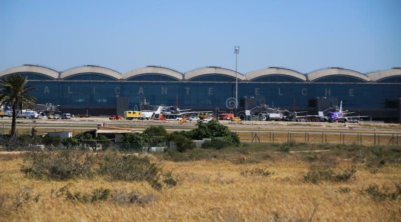 Aeroporto do EL Altet de Alicante em um dia ensolarado da mola imagem de stock royalty free