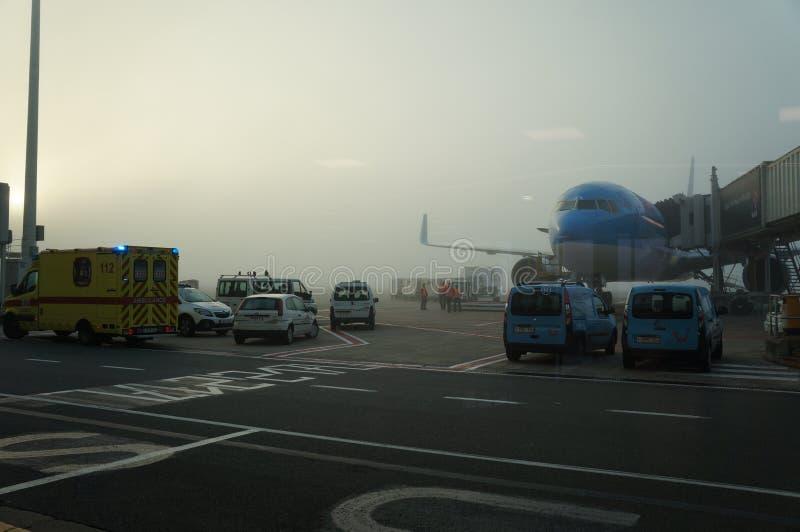Aeroporto fora da cena do indicador foto de stock royalty free