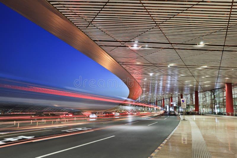 Aeroporto internazionale capitale di Pechino, terminale 3 a penombra fotografie stock libere da diritti