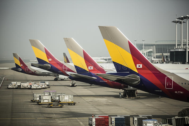 AEROPORTO INTERNAZIONALE DI INCHEON - DI ASIANA AIRLINES, S immagine stock