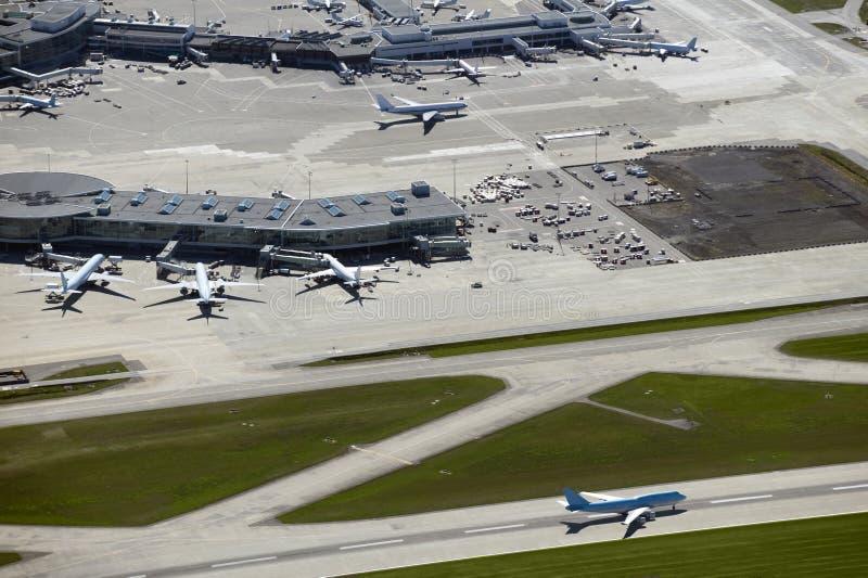 Aeroporto no console do mar imagens de stock royalty free