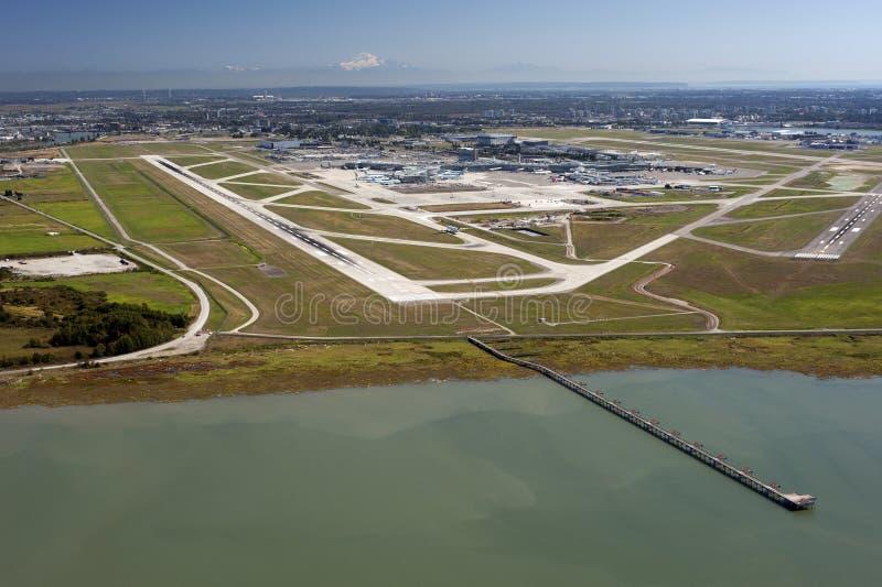 Aeroporto no console do mar fotografia de stock