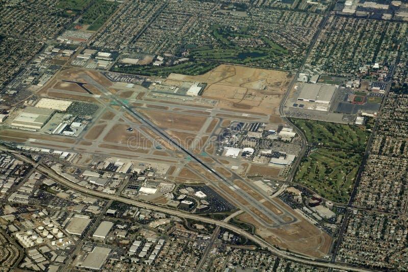 Aeroporto regionale in sobborghi fotografie stock libere da diritti