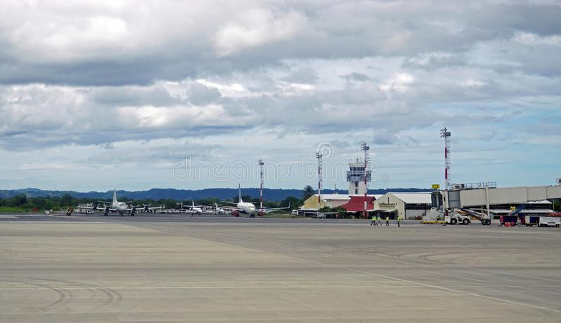 Aeropuerto Daniel Oduber Quiros LIR Międzynarodowy lotnisko w Costa Rica fotografia stock
