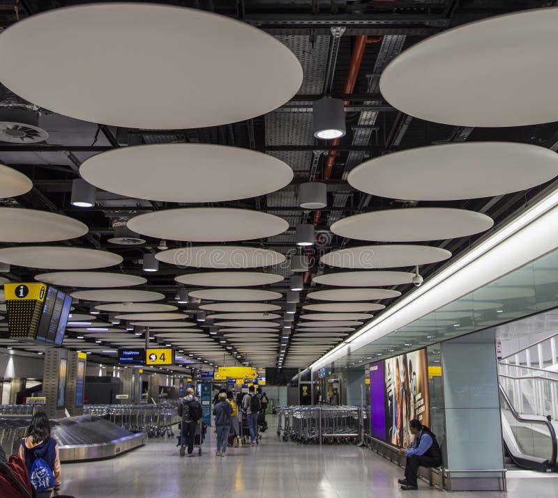 Aeropuerto de Abu Dhabi fotos de archivo