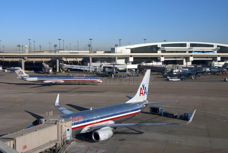 Aeropuerto de DFW - terminales americanas de la línea aérea foto de archivo libre de regalías