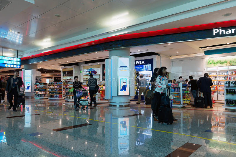 Aeropuerto de Dubai International, salidas fotografía de archivo libre de regalías