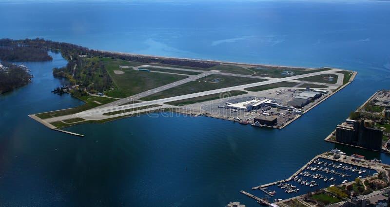 Aeropuerto de la ciudad de Toronto - Billy Bishop Airport - YTZ - Toronto/Ontario/Canadá fotos de archivo