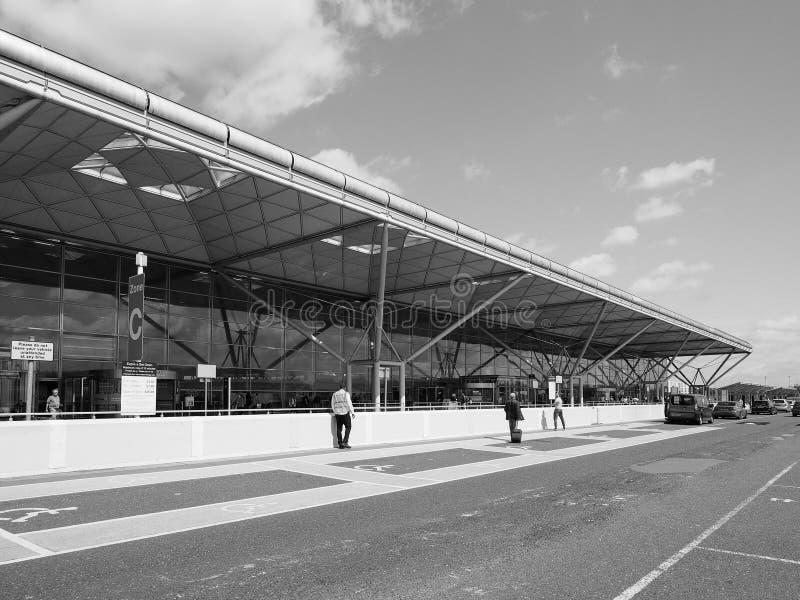 Aeropuerto de Londres Standsted blanco y negro fotos de archivo