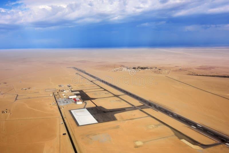 Aeropuerto en el desierto de Namib foto de archivo