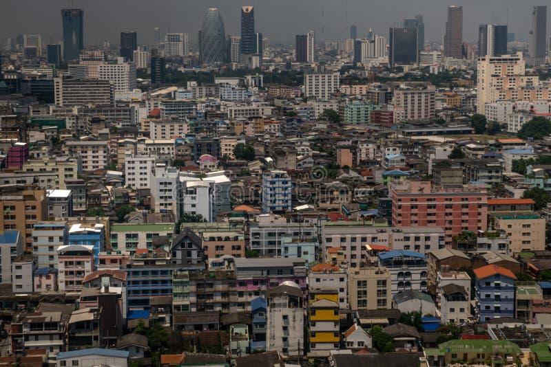 Aersyn på Bangkok-skyskrapor på eftermiddagen Foto liggande royaltyfria foton