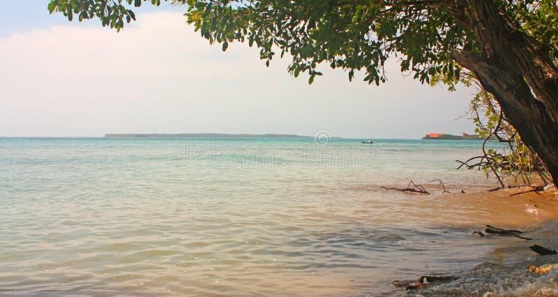 Afbeelding van de Rosario-eilanden het is een archipel bestaande uit 27 eilanden die ongeveer twee uur per boot van Cartagena de  stock fotografie