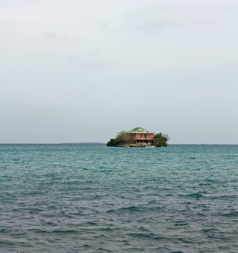 Afbeelding van het huis op het eiland Rosario in Colombia naast Cartagena royalty-vrije stock foto's