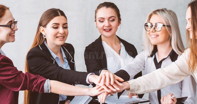 Affär för makt för kvinnor för samarbetsenhetservice arkivbilder