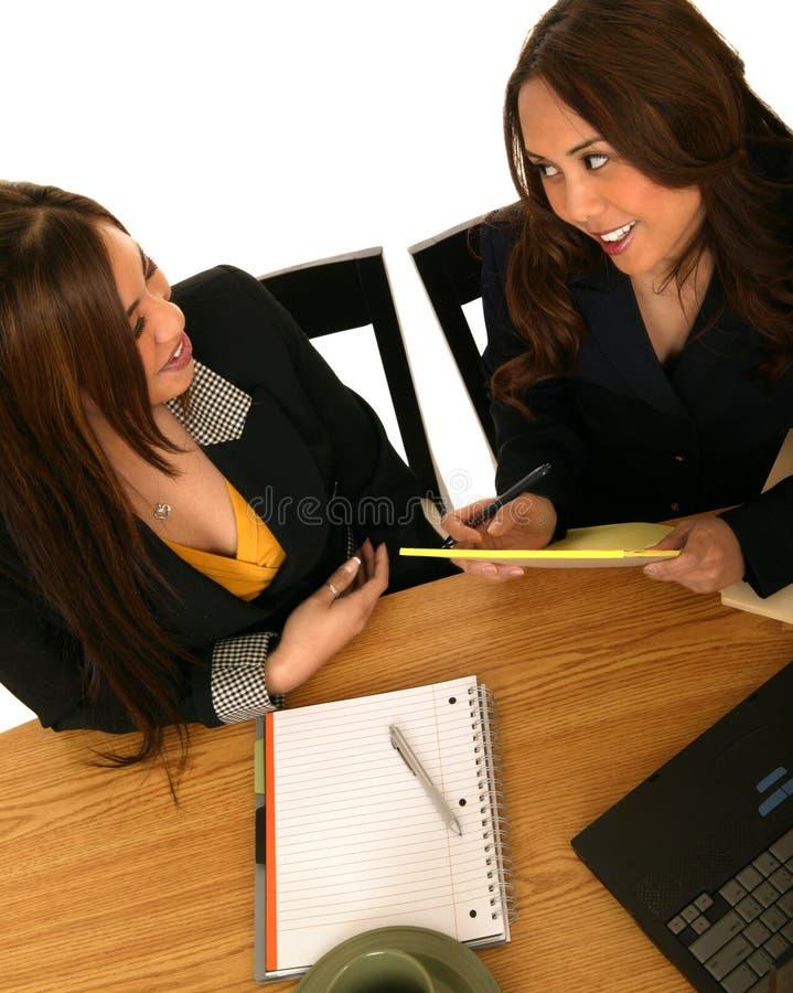 affär som diskuterar kvinnor arkivbild