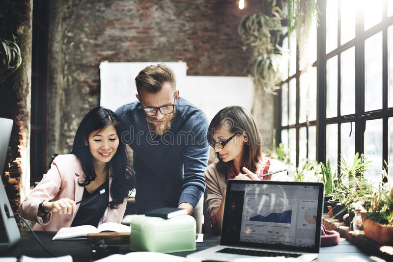 Affär Team Meeting Brainstorming Working Concept royaltyfria bilder